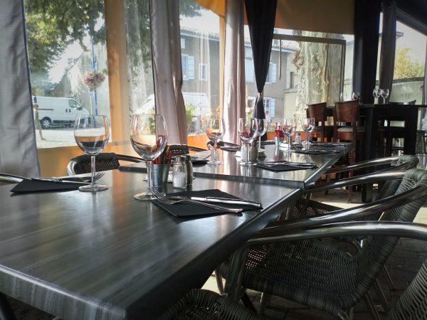 Table en terrasse Restaurant à Varilhes Le Saint Michel